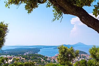 Urlaub in Kroatien Ferienhaus & Ferienwohnung direkt am Meer mieten 2020 / 2021